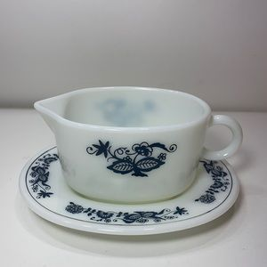 Pyrex ~ Old Town Onion Gravy Boat & Drip Plate